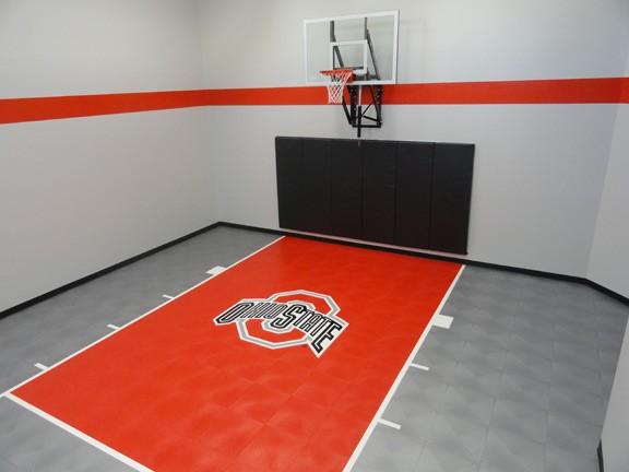 Indoor College Themed Custom Basketball Court Flooring